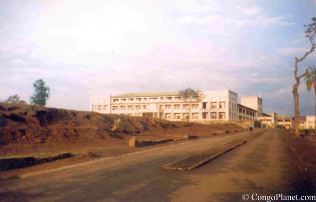 Alfajiri High School entrance coming from Place Mulamba(Bukavu,1995)