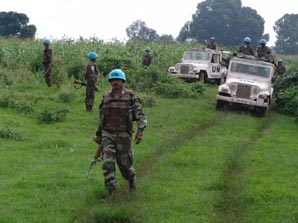 UN escort in the DRC. © Frankfurt Zoological Society.