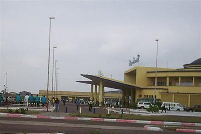 https://www.congoplanet.com/pictures/news/aeroport_ndjili_kinshasa_congo.jpg