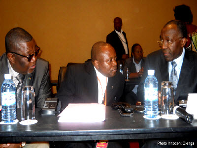 Charles Okoto, Apolinaire Malu Malu et Raymond Tshibanda, three members of the Congolese delegation at the Kampala peace talks