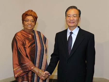 Chinese Premier Wen Jiabao has met with several African leaders on the sidelines of the fourth ministerial meeting of the Forum on China-Africa Cooperation which opened on Sunday at this Egyptian tourist resort.
